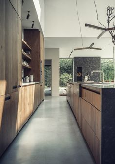House Techniques And Strategies For traditional home design decor Modern Kitchen Design, Interior Design Kitchen, Küchen Design, House Design, Diy Kitchen Decor, Home Decor, Cuisines Design, Cool Kitchens, Kitchen Remodel