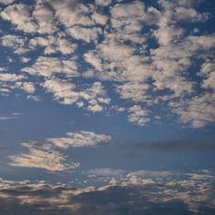 Wolken boven de Alblasserwaard.