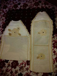 Algodonera y porta rollo papel hig. Tela y crochet