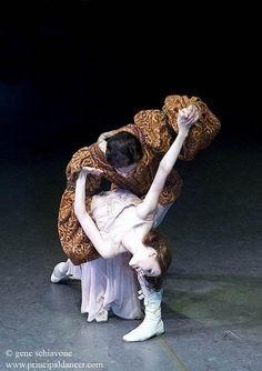 """Alexandre Hammoudi and Irina Dvorovenko in """"Romeo and Juliet.""""  Gene Schiavone photography."""