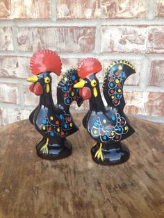 Vintage Large Black Rooster Salt & Pepper Shakers - Ceramic Matching Shakers - Painted - Made in Japan    In my opinion, these beauties are larger