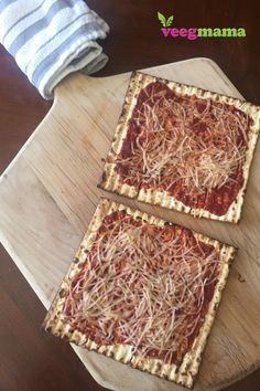 Try one of the many plant-based Passover recipes from Stephanie Dreyer's round-up from VeegMama for this year's Seder or Passover week. Pizza Recipes, Healthy Recipes, Passover And Easter, Passover Recipes, Plant Based, Dairy Free, Easy Meals, Bread, Vegan