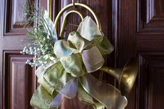 Horn decor Grace To You, Brass Color, Accent Pieces, Green And Gold, Horns, Christmas Decorations, Magic, Inspiration, Home Decor