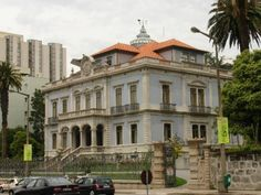 Localizado na Avenida da Boavista, junto do Hotel Sheraton e em frente ao Hotel…