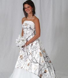 snow camo wedding dress absolutely love it Snow Camo Wedding, White Camo Wedding Dress, Camouflage Wedding Dresses, Camo Dress, Dream Wedding, Perfect Wedding, Fall Wedding, Hunting Wedding, Renewal Wedding