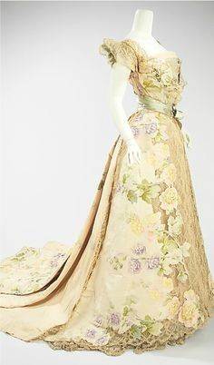 champagne color floral evening dress in silk, ca 1902