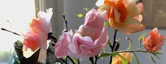 Pynte med skønne evighedsblomster i vaserne til påske eller hele året rundt med fine blomster klippet i crepepapir og silkepapir. Dining, Garden, Urban, Flowers, Plants, Blog, Food, Garten, Lawn And Garden