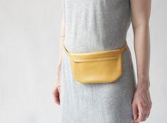 Gürteltasche aus echtem Leder // Leather belt bag via DaWanda.com