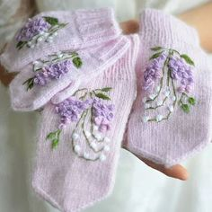 Free Warm And Cozy Mitten Patterns You Can Knit Or Crochet Patterns New 2020 - Page 4 of 30 - crochetsample. Crochet Mittens, Mittens Pattern, Crochet Gloves, Knit Or Crochet, Flower Embroidery Designs, Silk Ribbon Embroidery, Hand Embroidery, Fair Isle Knitting Patterns, Knitting Designs