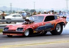"""""""Flash Gordon"""" Mineo's Monza Funny Car at the 1976 NHRA Springnationals in Columbus, Ohio. Funny Car Drag Racing, Nhra Drag Racing, Funny Cars, Drag Bike, Drag Cars, Vintage Humor, Car Humor, Photos Of The Week, Fast Cars"""