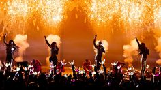 "2NE1 - ""CRUSH"" LIVE PERFORMANCE"