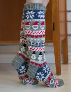 Knitted christmas socks / Jouluvillasukat by Pariton rasa Knitting Stitches, Knitting Socks, Baby Knitting, Crochet Socks, Knitted Hats, Knit Crochet, Knitted Christmas Stockings, Christmas Knitting, Comfy Socks