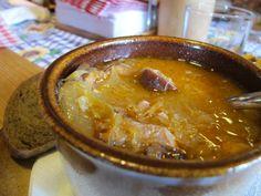 Az egész család imádta, a férjem azt mondta, ez volt élete legjobb frankfurti levese :) Hozzávalók 30 dkg csontból, 15 dkg vegyes zöldséggel főzött 2 liter csontleves, 1-1,5 dkg só, 5 dkg zsír, 3 dkg liszt, 60 dkg kelkáposzta, 2 dkg vörö...