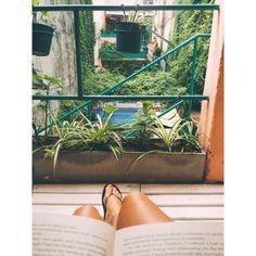 Our own little Melrose Place in Casa San Telmo, Buenos Aires!  #casasantelmo #santelmo #buenosaires #buendia #buenosdias #paradise #disfrutar #secretgetaway #goodlife #goodtimes #hellocity #lovinglife #chillin #book #reading #peaceful #citygreen #oasis #travel #backpacking #holiday #verkansie #metime #city #argentina #argentinië #southamerica #latinamerica #zuidamerika #soulsurfers @airbnb Photo by @soulsurfers_fem