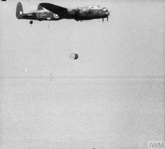 Air Force Bomber, Lancaster Bomber, Ww2 Aircraft, Royal Air Force, Historical Photos, Aeroplanes, Weapon, British, Military
