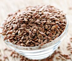 Superfoods: bowl of flaxseed pic