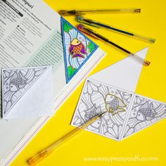 """So coloring pages for adults are a thing, but I wanted to give them a even more fun twist so I created a printable sea corner bookmark to color, you know to keep all your summer reads in check. We are huge fans of origami corner bookmarks and """"regular"""" corner bookmarks here so this one …"""