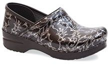 OMG, I want these shoes!!  Silver Floral Danskos