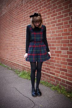 so my style Hipster Fashion, Grunge Fashion, Modest Fashion, Look Fashion, Vintage Fashion, Fashion Outfits, Zooey Deschanel, Taylor Swift, Overall Dress