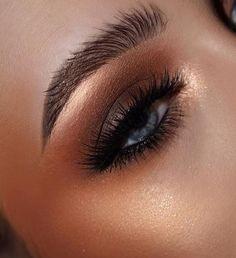 Loveeee this eye look
