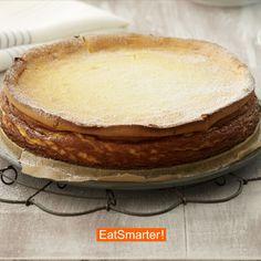 Käsekuchen ohne Boden    EAT SMARTER #käsekuchen #eatsmarter #kuchen Eat Smarter, Vanilla Cake, Desserts, Food, Cake Ideas, Oven, Food Food, Tailgate Desserts, Deserts