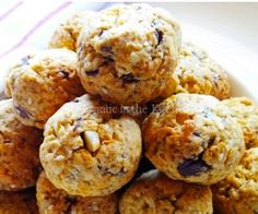 Biscuit Bites - 1 egg, 1¼ cup rice flour, 1 cup LSA / almond meal, 100g softened butter / coconut oil, 80g finely chopped sugar free chocolate, ⅓ cup chopped macadamias, ¼ cup apple sauce, ¼ Natvia, 2 tbsps moist coconut flakes, 1 tsp vanilla essence, ½ tsp bicarbonate of soda.