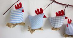 *Frühling/Osterdeko - 5 lustige Hühner*   Sehr schön zum aufhängen oder hinsetzen.  Die perfekte Hühner Familie für den Osterstrauch, Haselnußzweig oder die Fensterbank, Tisch, Osterkranz....