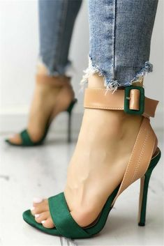 Green & Nude sandals with jeans Sandalen Nice green sandals with jeans Hot Shoes, Crazy Shoes, Me Too Shoes, Shoes Heels, Heeled Sandals, Nude Sandals, Jeans Heels, Green Sandals, Sandals Outfit