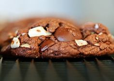 Living Healthy With Chocolate: Delectable Dessert Recipes That...