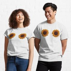 Sunflower Gifts, Happy Sun, Bee Gifts, Sun Designs, Sunflower Design, Sweatshirt Outfit, Pullover, My T Shirt, Mask For Kids