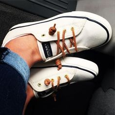 Women's Seacoast Canvas Sneaker - Sneakers Sperry Top-Sider - I would tie the laces in a bow Sperry Top Sider, Top Sider Shoes, Crazy Shoes, Me Too Shoes, Daily Shoes, Zapatillas Casual, Mode Shoes, Toms Shoes Outlet, Shoe Outlet