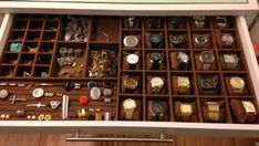 Como Organizar Bijuterias e Acessórios Wardrobe Drawers, Wardrobe Storage, Closet Storage, Watch Storage, Home Id, Bedroom Closet Design, Men Closet, Cupboard Design, Jewelry Organization