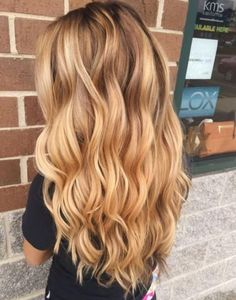 Hair color warm blonde waves 55 ideas - Hairstyles For All Blonde Dye, Blonde Waves, Honey Blonde Hair, Warm Blonde, Blonde Hair Looks, Blonde Hair With Highlights, Blonde Color, Blonde Balayage, Golden Blonde