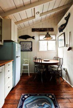 cottage decorating interior style | coastal-cottage-new-england-renovated-cottage-victorian-cottage (12)