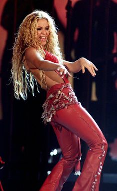 "Shakira's Performance of ""Ojos Así"" at the First Latin Grammys Was Nothing Short of Steamy"