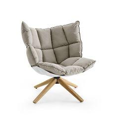 Der Designer Sessel HUSK Von B U0026 B Italia Ist Ein Kuscheliges Möbelstück  Aus Zwei Grundelementen   Recyceltem Kunststoff Und Einem Großen Weichen  Kissen