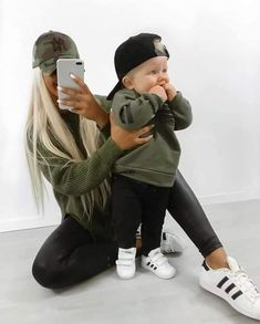 Trendy baby fashion photography matching outfits ideas - Cute baby outfits - Source by Outfits baby Mother Son Matching Outfits, Mom And Son Outfits, Outfits Niños, Little Boy Outfits, Trendy Boy Outfits, Little Boy Style, Baby Boy Style, Cute Baby Boy Outfits, Mother Daughter Outfits