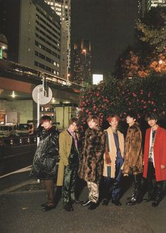 Group Pictures, Japanese Artists, Times Square, Saints, Guys, Snow Man, Favorite Things, Magazine, Stone