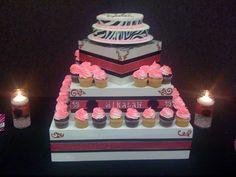My 18th birthday cake/cupcakes!