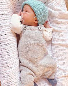 Baby carpenter pattern by Gudrun Loennecken - Minis ♡ - . - Cute baby outfits - Baby carpenter pattern by Gudrun Loennecken - Minis ♡ - . Baby Clothes Online, Baby Online, Knitted Baby Clothes, Cute Baby Clothes, Baby Knits, Knitted Baby Outfits, Cute Baby Boy Outfits, Babies Clothes, Babies Stuff