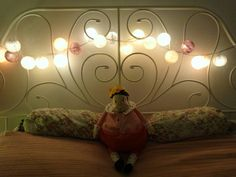 White and cosy ikea bedroom Lights from La case du cousin Paul