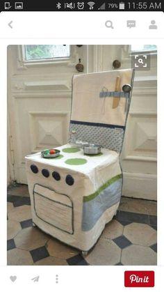 Diy Kids Kitchen Chair Ideas For 2019 Kitchen Chair Covers, Kitchen Chairs, Kitchen Stove, Room Chairs, Dining Chairs, Sewing For Kids, Diy For Kids, Chaise Diy, Diy Kids Kitchen