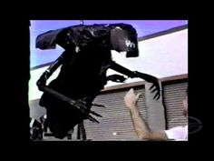 """awesome: """"In this Stan Winston Studio ALIENS test footage, James Cameron directs SWS puppeteers as they manipulate a rough """"proof of concept"""" Alien Queen made out of garbage bags, foam core, and ski poles."""" / via @Michal Migurski"""