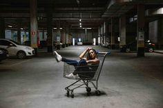Teste - Jadi Bobcats - Betim-MG - Shopping - Fotografia Portrait Photography Poses, Urban Photography, Photo Poses, Girl Photography, Creative Photography, Street Photography, Cute Instagram Pictures, Street Portrait, Shooting Photo
