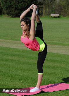Celebrity YOGI way is Essex: Pascal Craymer sends temperatures soaring with impressive yoga routine,  #candid #celeb #celebrity #gym #lycra #pap #PascalCraymer #realityTV #TOWIE #workout #workingout