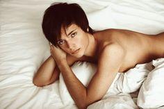 画像 : 【世界のイケメン1】絵に描いたような美男モデル ヴァシリー・マカロフ 画像まとめ【王子様系】 - NAVER まとめ