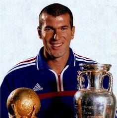 Com as taças da Copa e da Europa em 1998