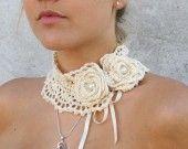 """Collier crochet rétro """"Marie-Antoinette"""" beige : Collier par keltys"""
