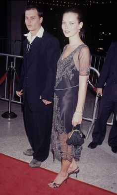 johnny-depp-kate-moss-1997-vintage-dress-donnie-brasco-premiere