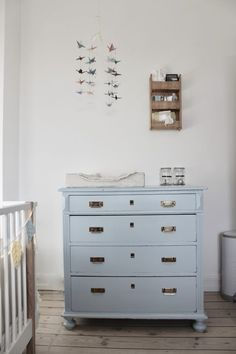 Kid Bedrooms, post design reference 1452401481 for the cute decor. Painted Furniture, Home Furniture, Baby Barn, Upcycled Home Decor, Home Hacks, Kidsroom, Kids Decor, Smart Tiles, Kids Bedroom